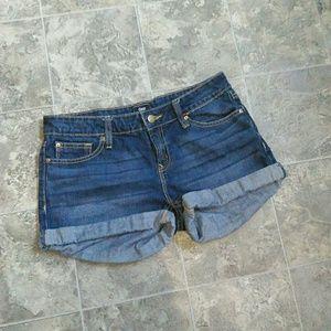 Gap Darkwask Shorts!